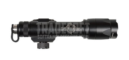Night Evolution M600C Scout taktinen LED-valaisin, musta